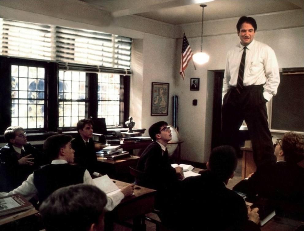 Quanti docenti, a scuola, hanno mai provato a salire sulla cattedra?